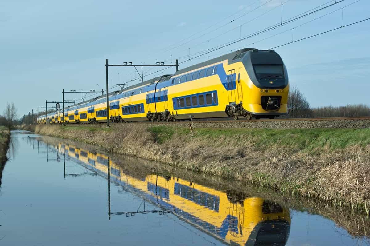 tren-ns-holanda
